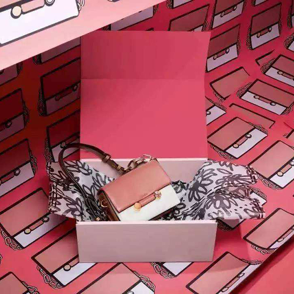 Global luxury brands embrace WeChat marketing for 2018 Chinese Valentine's Day
